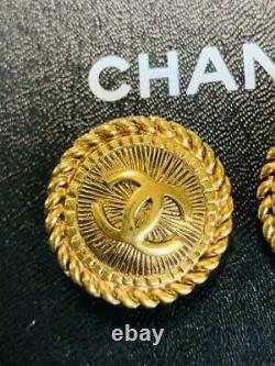 Auth Vintage CHANEL CC Logo Round Clip On Earrings Gold Used form Japan F/S