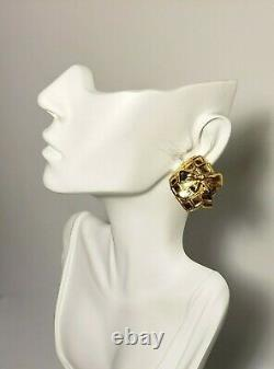 Authentic Vintage CHANEL Big Ribbon Square Clip on Earrings