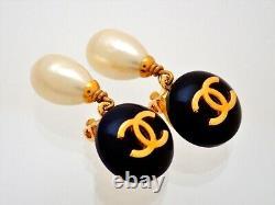 Authentic Vintage Chanel clip earrings CC logo black faux pearl dangle #ea3062