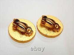 Authentic Vintage Chanel clip on earrings CC logo black round #ea3037