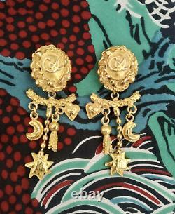 Boucles doreilles Pendantes à clip vintage Doré Christian Lacroix