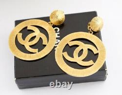 CHANEL CC Logos Sunburst Hoop Dangle Earrings Gold Clips 29 Vintage withBOX o382