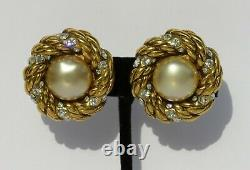 CHANEL Vintage Faux Pearl Strass Crystal Gold Tone Twisted Rope Clip On Earrings