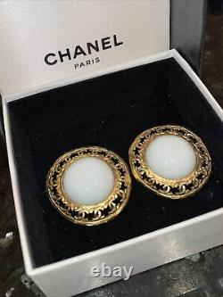 Chanel Earrings Vintage 80s Maison Faux Pearl Gold Clip On Round Boxed Free P&P