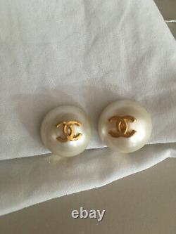 Chanel paire de boucles d'oreilles vintage / à clips