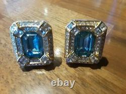 Stunning Vtg Real Christian Dior Gold Tone Blue Topaz Glass Clip-on Earrings