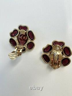 Vintage Chanel Gripoix Poured Glass clip on earrings