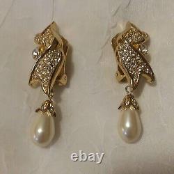 Vintage Elegant Christian Dior Pearl & Rhinestone Clip On Earrings Gold Tone NR