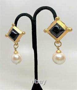 Vintage Gold Plated French Gripoix & Faux Pearl Clip Earrings