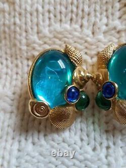 Vintage TRIFARI KUNIO MATSUMOTO Signed Seashell Earrings Blue Clip On